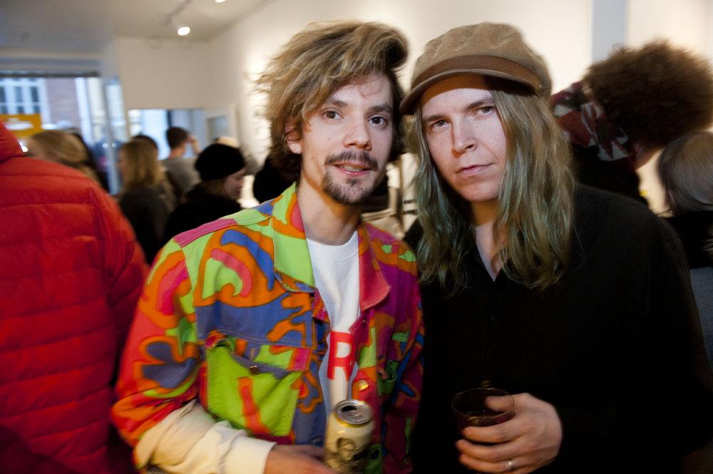 Nikolo Kerimov kohtasi avajaisissaan edellisen Creat Spacen näyttelyn taiteilijan Jonne Heinosen.